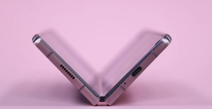 Galaxy Z Fold 3 dan Z Flip 2 bakal tahan air dan debu